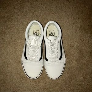 WHITE LEATHER OLD SKOOL VANS